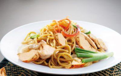Noodles con pollo Teriyaki y verduras